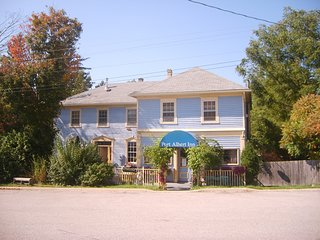 6 bedroom Port Albert Inn Vacation Rental in beautiful Port Albert, Ontario