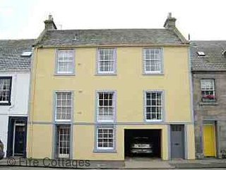 Auld Poor House, 36 North Street, St Andrews, KY16 9AQ - A lovely 18th Century l