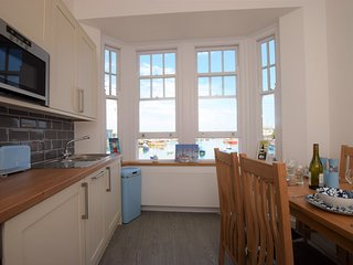 61203 Apartment situated in Brixham
