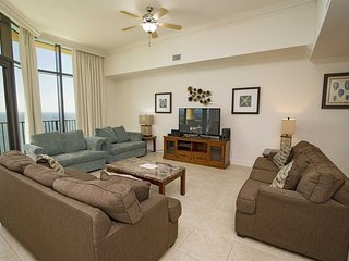 Spring Into A Vacation ~ Lazy River ~ Sleeps 12 ~ Phoenix West 3103 ~ Prickett P