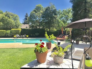 Morgan Hill - Estate Home on 3 beautiful flat acres - 1 acre of Cabernet grapes