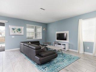 1664MVD. Gorgeous 8 Bed ChampionsGate Golf Resort Pool Home