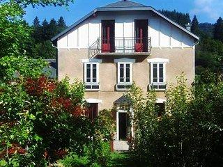 Villa Dussoleil 60m2 2 chbres Lits160cm Draps/ Serv. sans frais supp.Jardin,Wifi