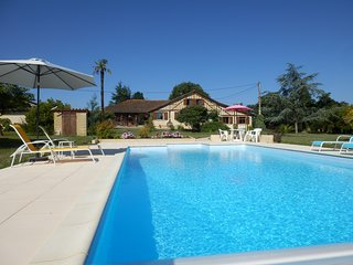 One Bedroom Gite With Panoramic Views and Shared Salt Water Pool