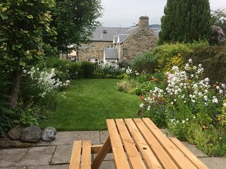 Child and dog friendly holiday cottage with a private garden in Aberfeldy