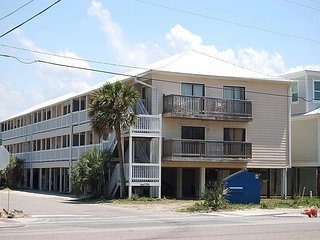 Beachcomber 8: 2 BR condo located directly across the street from the beach