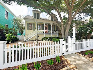 Historic Charm Paired w/ Modern Updates - East End 3BR Near Beach & Pier