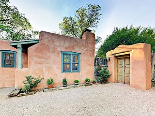 Santa Fe Eastside Charm - 1BR w/ Private Yard, Close to Famed Arts District