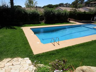 House for 4 people only 1000 m. from beach of Santa Maria de Llorell (Tossa Mar)