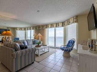 SUNRISE POINTE OCEANFRONT GEM - SUN, SAND AND FUN!