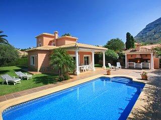 Villa 4 Soles, fantástica y espaciosa villa 10 pers. WIFI. Piscina.A 700m playa