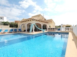 MJ000233 - Wonderful modern villa, sleeps 12 guests