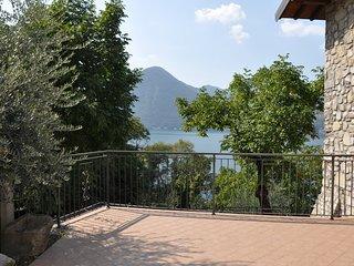 La Stallina Attic - Monte Isola - Lake Iseo