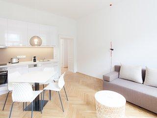 #14 Cube 70 - Dein stilvolles Altbauapartment in Wien (Large, Maximum 4 Pax)