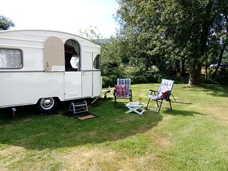 Jinny Vintage - On quiet coastal village campsite