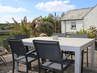 Cottage in Treknow nr Trebarwith Beach, Sleeps 7-9 with lovely Elevated Gardens