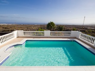 Stunning detached villa with unspoiled views - all you need and more!