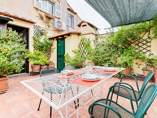 Exquisite 2 bed w/Terrace in Trastevere