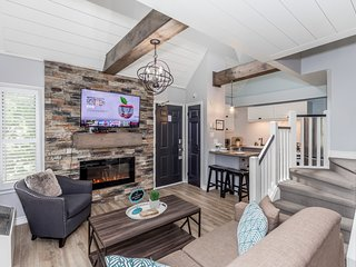 Lofted Rustic Chalet at Blue Mountain