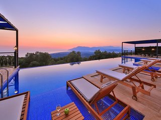 New Luxury 3 Bedroom Villa with Secluded Pool & Breathtaking Panoramic Sea Views