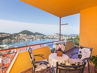 Apartment Marisol - One Bedroom Apartment with Balcony and Sea View