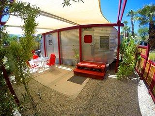Anza Borrego State Park Shangri-La 'Glamping' inside Desert Rose private space