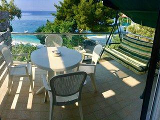 Beachfront Apartment 2 (Balcony vith SeaView)