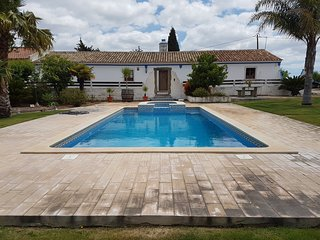 Quinta do Carmo, family farm in calm surroundings.