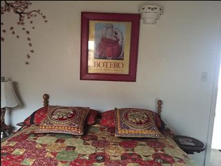 ॐ Studio for a Study Sabbatical - 1 Bedroom