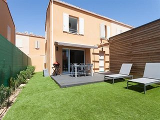 Superbe maison neuve, climatisee, 3 chambres pour 6 pers, jardin prive, piscine