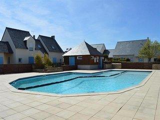 Maison de vacances, plage, centre, et commerces a pied dans residence avec pisci