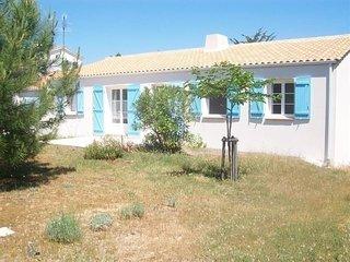 400m mer - Belle maison vendeenne recente de type 4 avec beau jardin clos / 6 pe