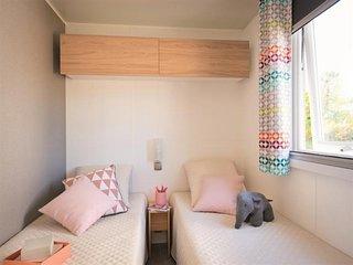 Mobil home 3 chambres avec terrasse en centre ville proche mer