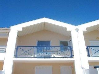 200m plage, 1200m centre ville, Coquet appartement 1er etage avec balcon 2 perso