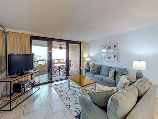 NEW LISTING! Waterfront condo w/ balcony, shared pool, & easy beach access