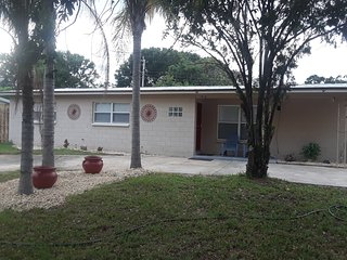 REAL COST $650 WEEK TOTAL, COCOA BEACH AREA 4BR