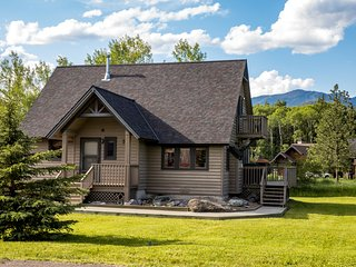 Perfect Whitefish Get-away!!!  All new furniture - AC -  incredible views and op