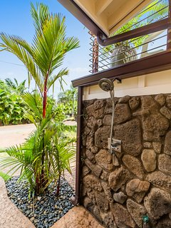 Lava Rock Hot/Cold Shower for after the beach/surfing!