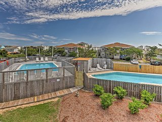 Kill Devil Hills Condo w/Pool - 3 Blocks to Beach!
