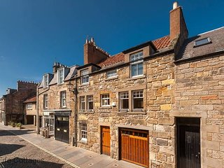 The Pembroke, 29 Market St, St Andrews - gorgeous terraced house in town centre