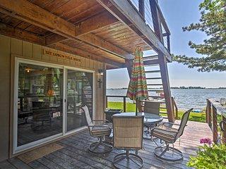 Johnson Lake Home w/Private Dock, Hot Tub & Kayaks