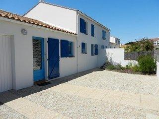 700m plage, 1200m centre ville, maison de 3 chambres, bien tenue, avec patio dal