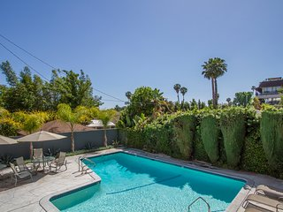 WEST*Hollywood SPECTACULAR 2/2 SUITE LOCATION