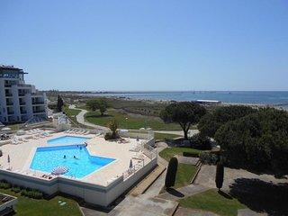 Joli 2 pièces avec incroyable vue piscine et mer