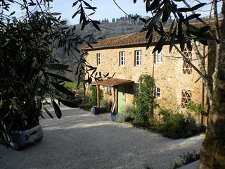 A beautiful Tuscan country house dating from 1753 set in lovely grounds.