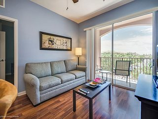 Third-floor 3-bedroom, 2-bath pet friendly condo near the clubhouse and pool!
