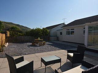 61208 Bungalow situated in Fairbourne