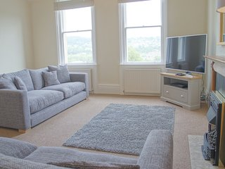 Generous apartment only 9 mins walk from the station
