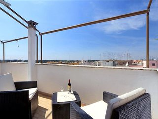 Licia apartment in San Giovanni with integrated air conditioning, private terrac