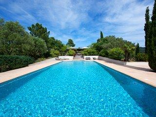 211048 villa 400sqm, 14 people, 6 bedrooms and 6 bathrooms, pool, summer kitchen